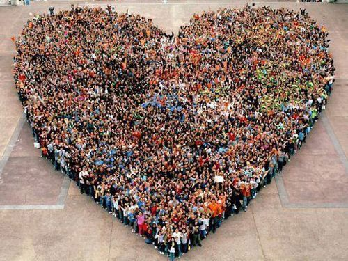 photo people in heart shape